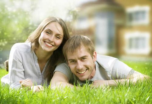 婚内与不知情其婚姻状况的第三人同居期间购买的房产,归谁所有?