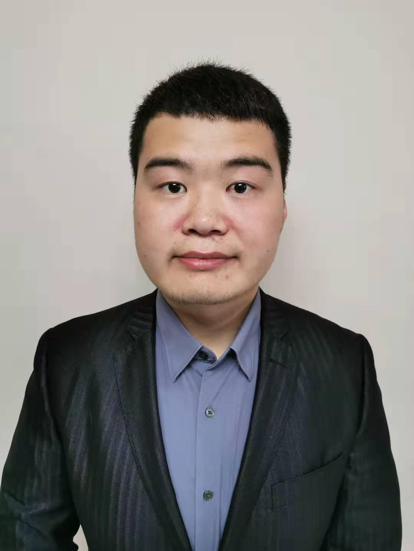 龙泽湘律师